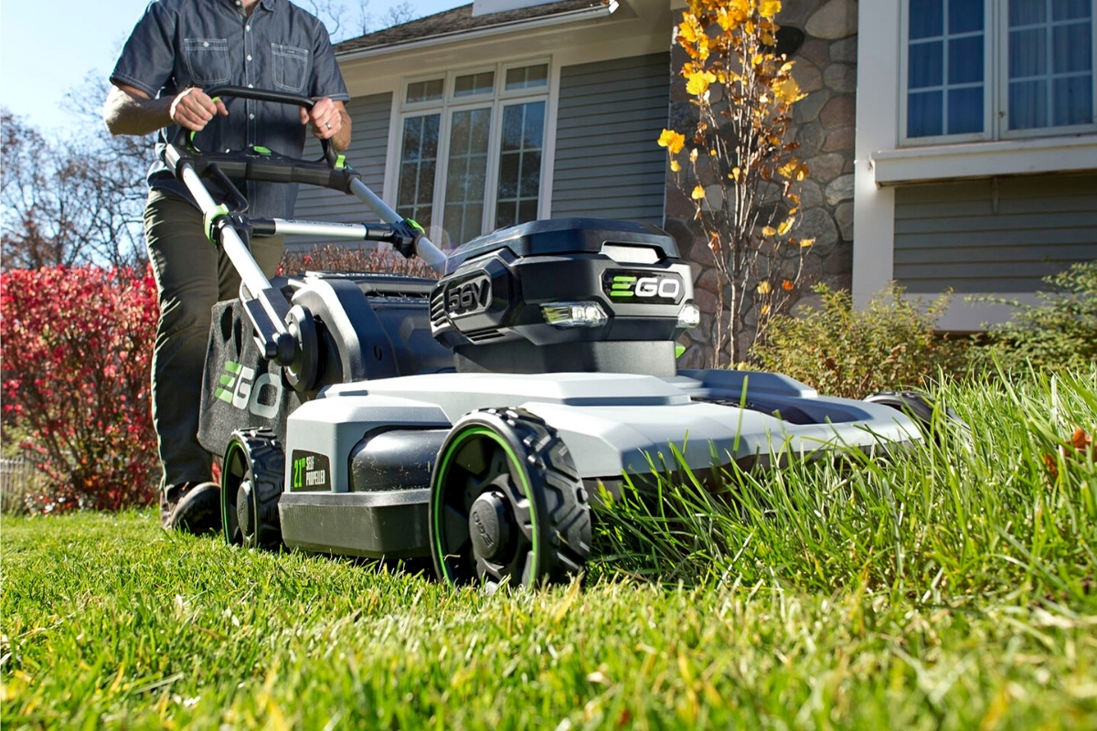 What To Look For In An Electric Lawn Mower